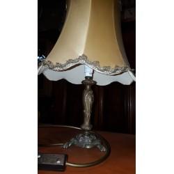 Lampka stylowa stojąca